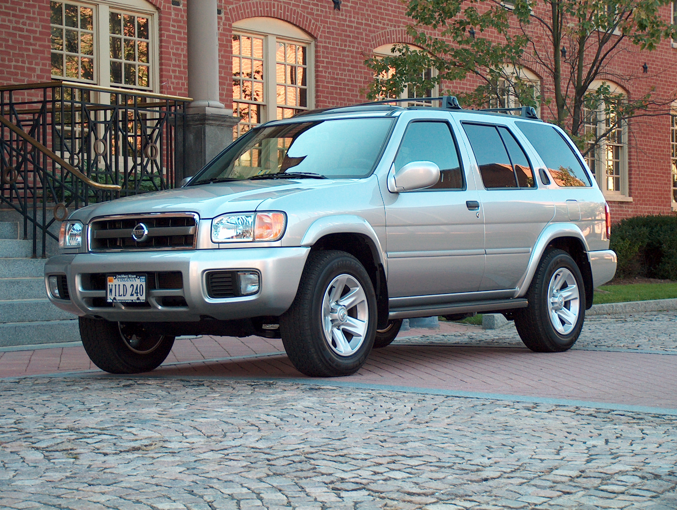 Nissan Pathfinder - SUV Maintenance - AAMCO Colorado