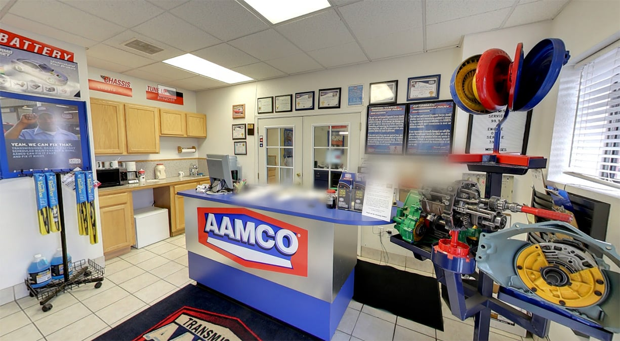 image of AAMCO Brighton interior front desk waiting room